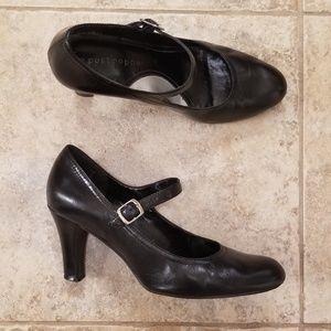 Apostrophe Good Condition Mary Jane Black Heels